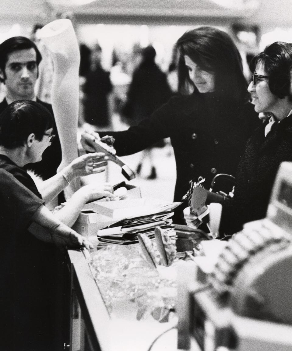 Jackie Kennedy Onassis Shopping at Bonwit Teller - May 6, 1970