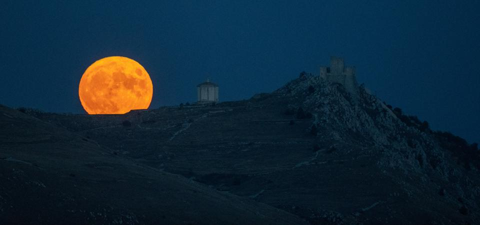 Blue Moon In Italy