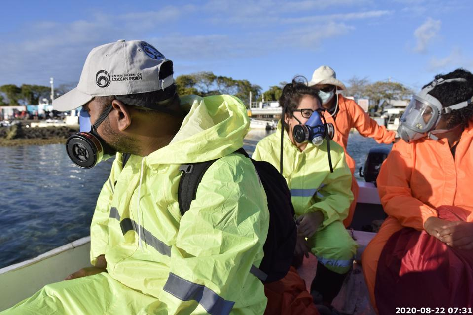 22 Aug 2020: respirators and protective gear had to be worn for several weeks after the oil spill due to the smell and toxins in the air and water around Ile aux Aigrettes
