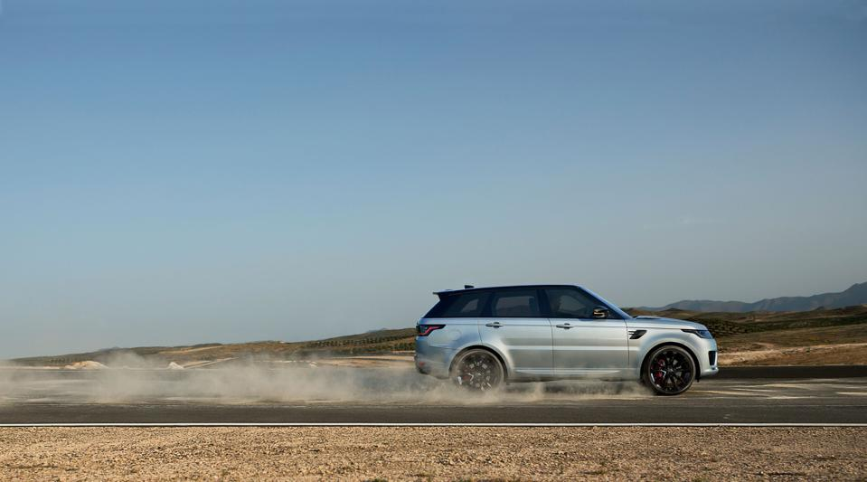 Range Rover driving inthe countryside.