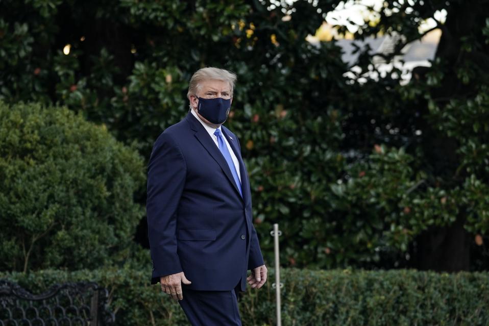 Trump quitte la Maison Blanche pour le centre médical Walter Reed après un diagnostic de COVID-19