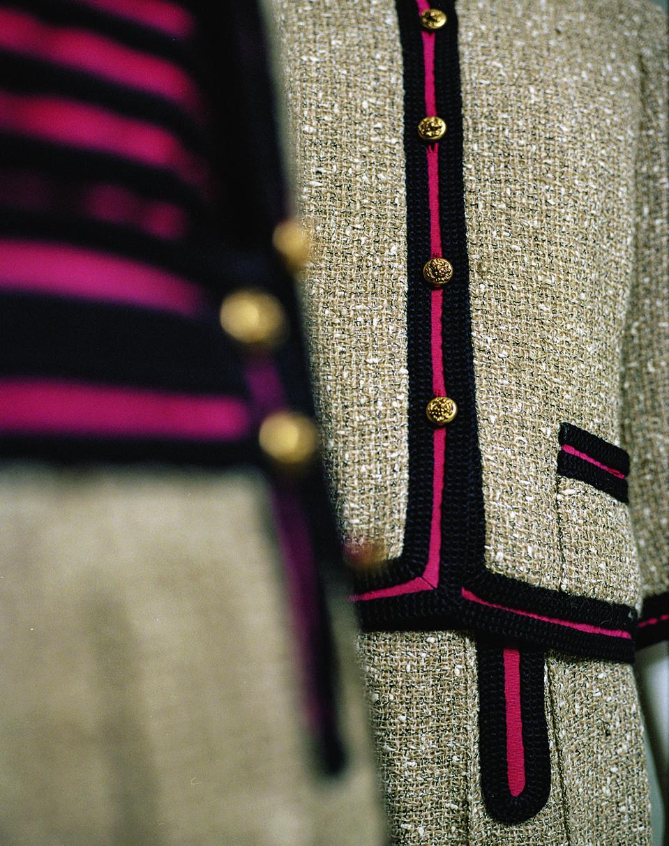 Tailleurs Spring Summer 1961, Ficelle Tweed, navy braided red grosgrain Paris, Patrimoine CHANEL