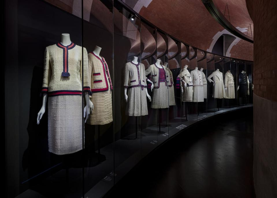 Gabrielle Chanel, Fashion Manifesto, The Suit in Detail