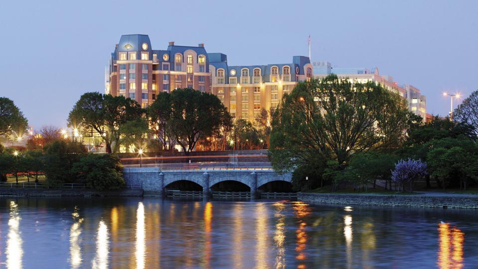 Mandarin Oriental, Washington DC luxury hotel best travel nation's capital cherry blossom