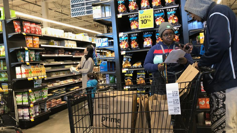 Amazon Prime delivery shopper in Whole Foods