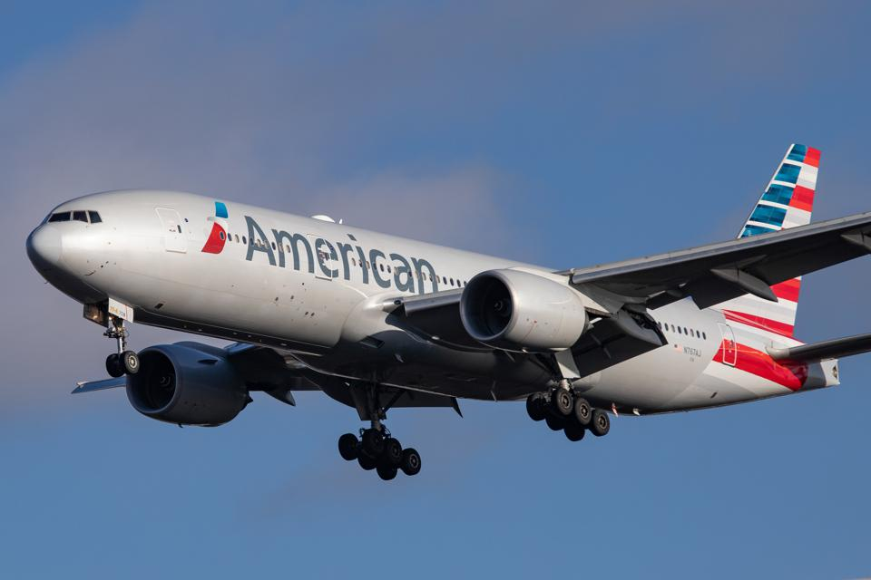 American Airlines flies from America USA Washington DC to London UK Europe