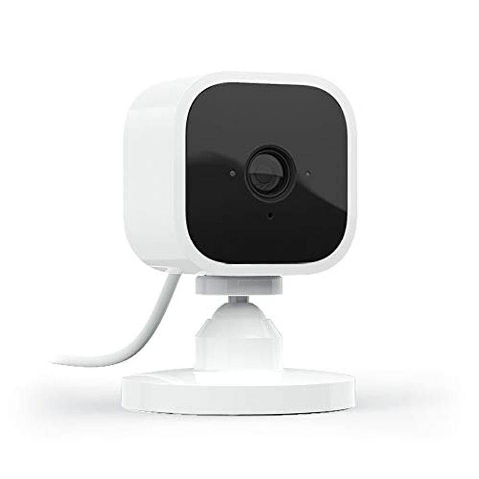 Blink Mini – Compact indoor plug-in smart security camera