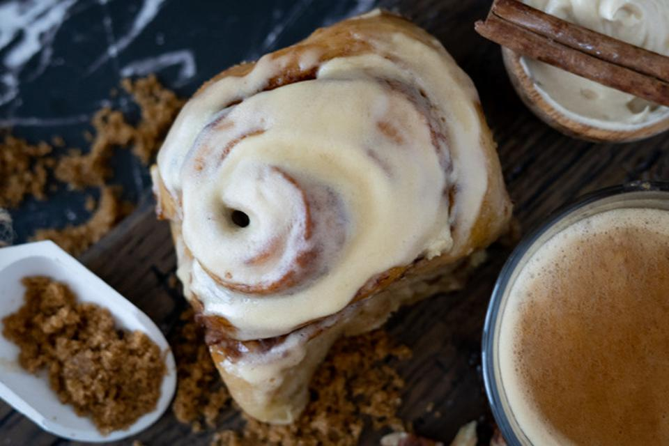 Zito and Christin launched Rock N Rollz Nashville, a company that sells cinnamon rolls