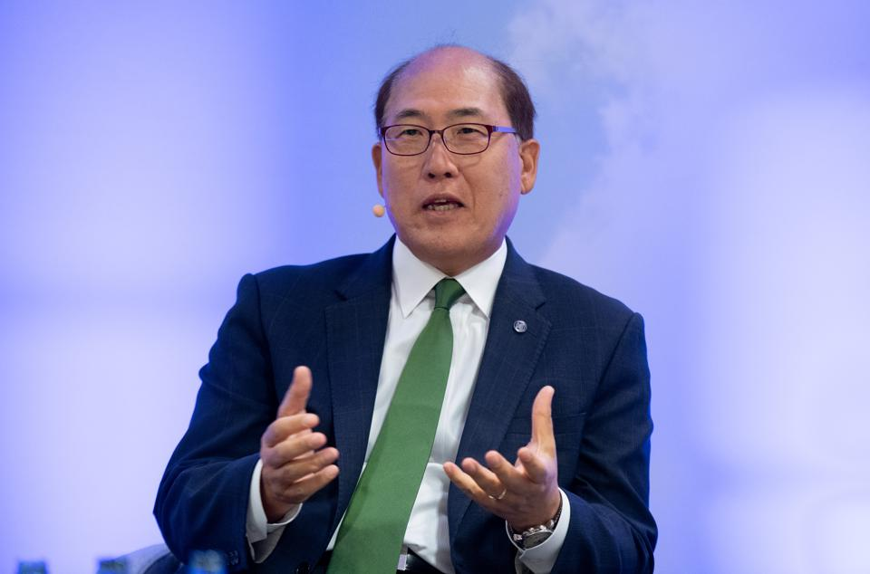 The Secretary General of the IMO, Kitack Lim, has been criticized for several major leadership failures following a series of shipping disasters in the summer