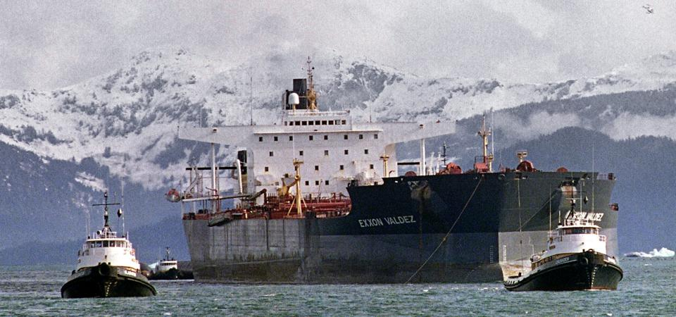 5 Apr 1989: Oil tanker Exxon Valdez in Alaska, Prince William Sound, after running aground on 24 March 1989 and spilling 11 million gallons of crude oil, the worst oil spill at the time.