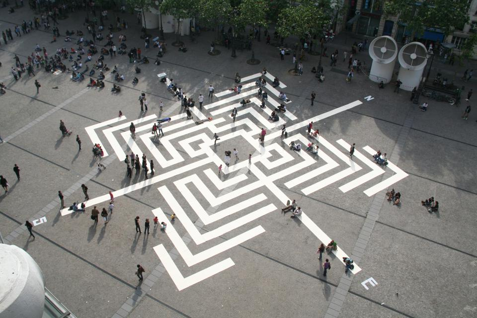 L'Atlas created a giant ground compass for the plaza of the Centre Pompidou in Paris