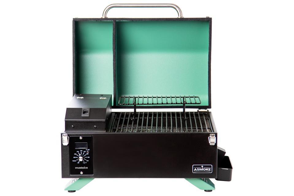 ASmoke pellet grill