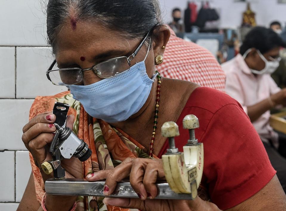 INDIA-HEALTH-VIRUS-ECONOMY-LABOUR