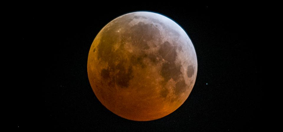 A total lunar eclipse on January 21, 2019.