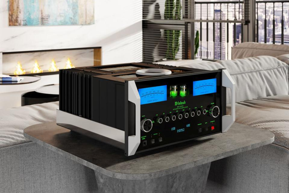 McIntosh MA1200 in a living room