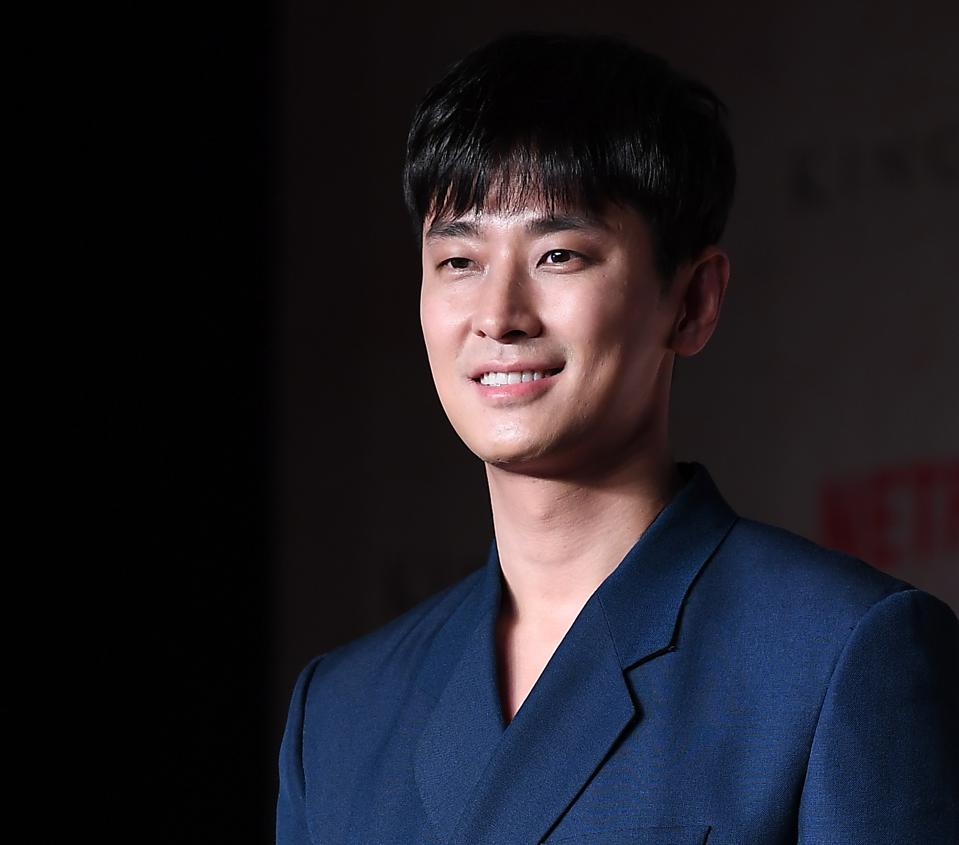 Ju Ji-hoon will play a new park ranger in 'Jirisan.'