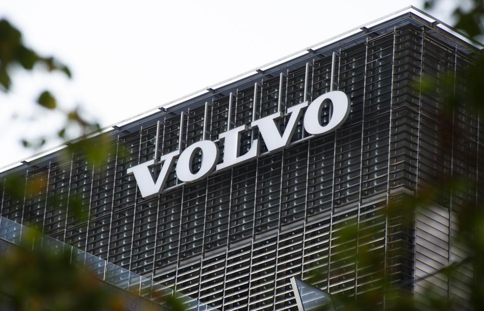 Renault joins Volvo in opening up its CO2 emissions pool credits for sale.