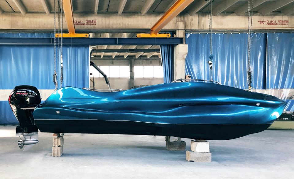 Mambo by Moi Composites, the world's first 3D-printed powerboat