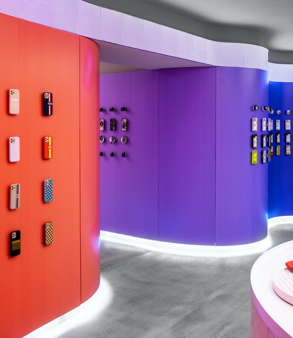 Inspired by a futuristic sci-fi theme, the new and modernised store design blends the digital and physical worlds together.