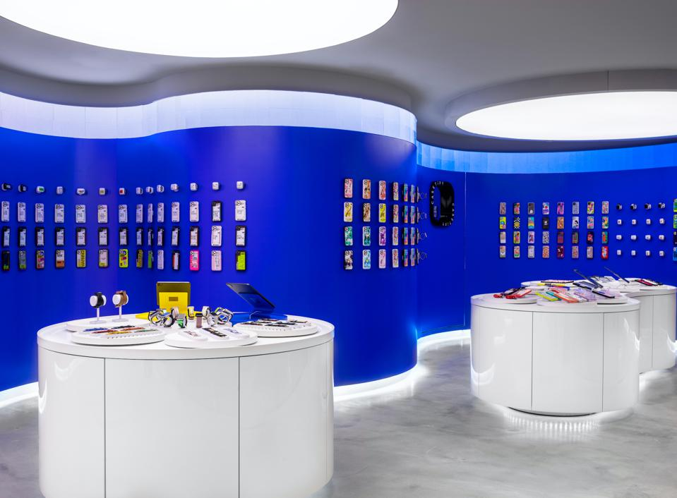 Customers have a myriad of products to choose and customise from, making the store a socialising and interactive space.