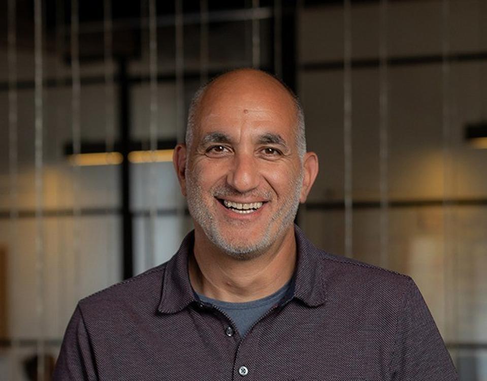 CEO of Hibob Ronni Zehavi smiling