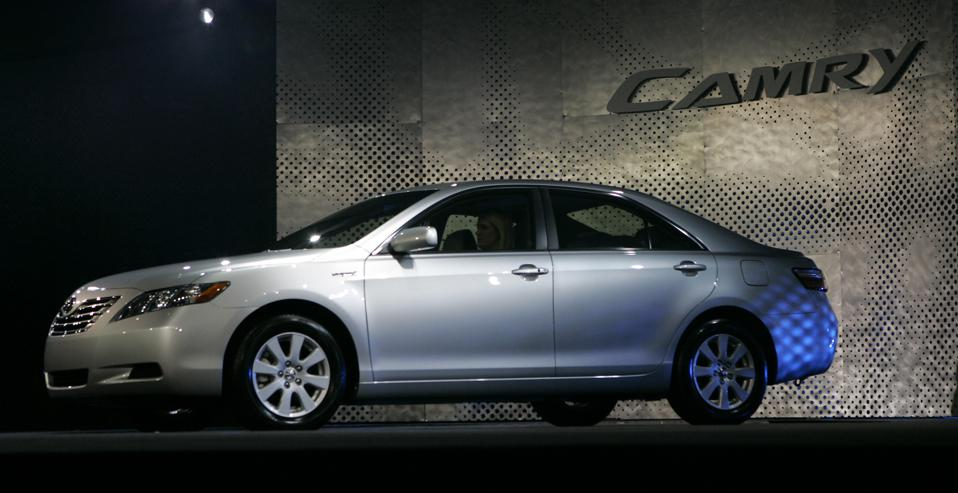 NAIAS 2006- Detroit: 2007 Toyota Camry Hybrid unveiled today during the Monday Press preview day at