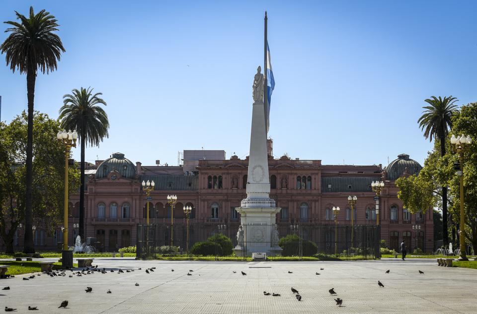 plaza in Argentina with pigeons