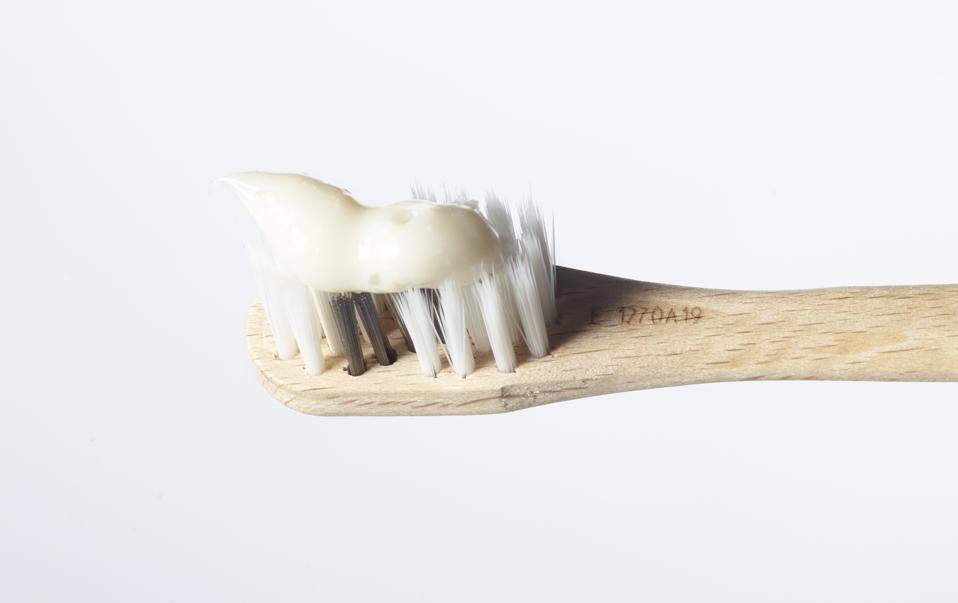 vVardis wooden toothbrush