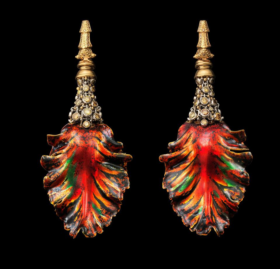 """""""Lale VII"""" earrings by Otto Jakob"""
