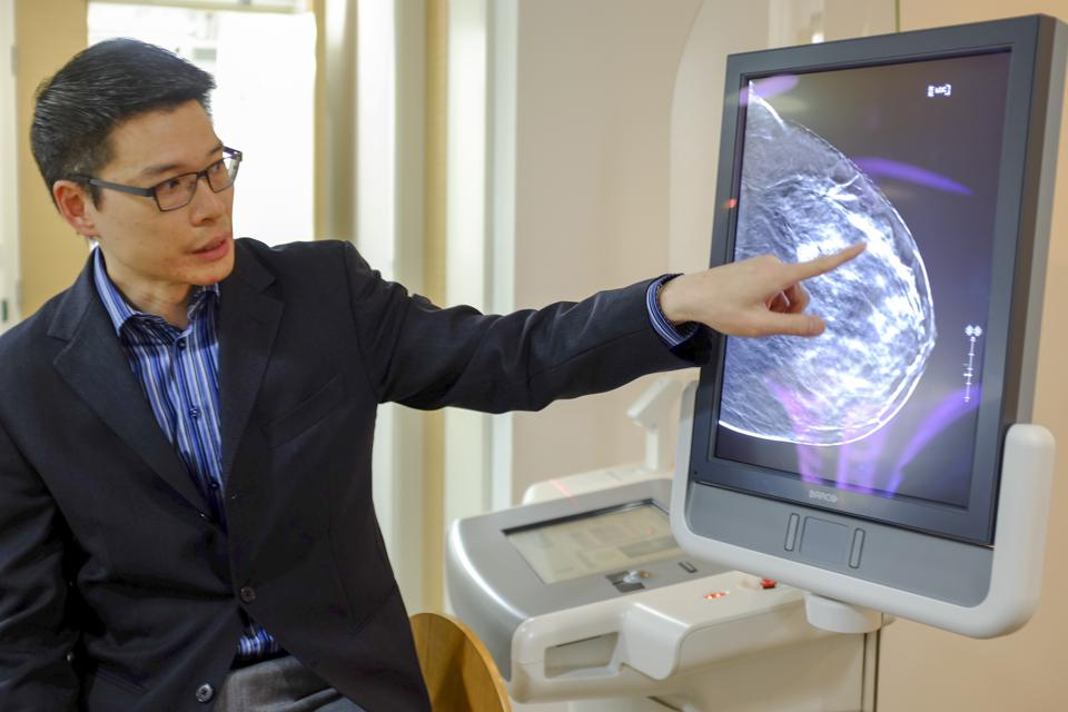 Dr Hung Wai-ka, breast surgeon, shows a 3D image of the breast using tomosynthesis.
