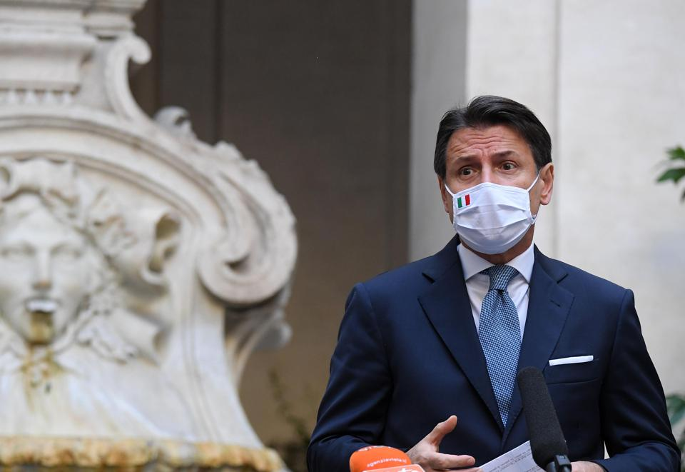 Italian Prime Minister Giuseppe Conte announcing new social restrictions at Palazzo Chigi, Rome, Italy, Oct. 14, 2020.