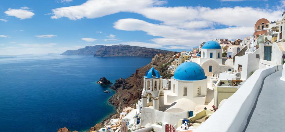 Panoramic view of Oia village