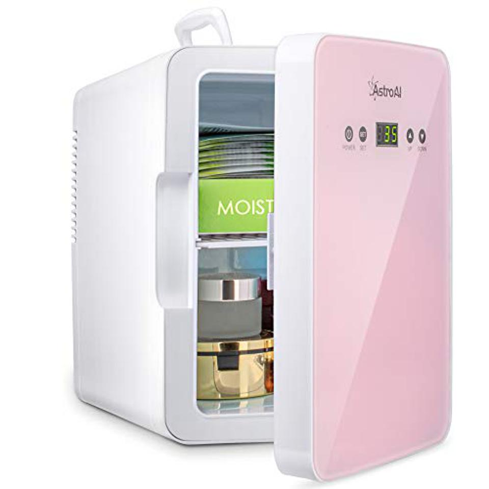 Mini refrigerator AstroAI 6 liters / 8 cans for skin care for the bedroom