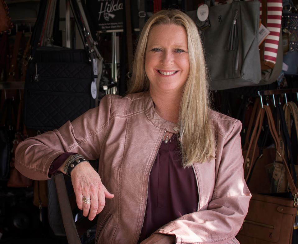 Dawn Hillyer founded Hidinghilda.com.