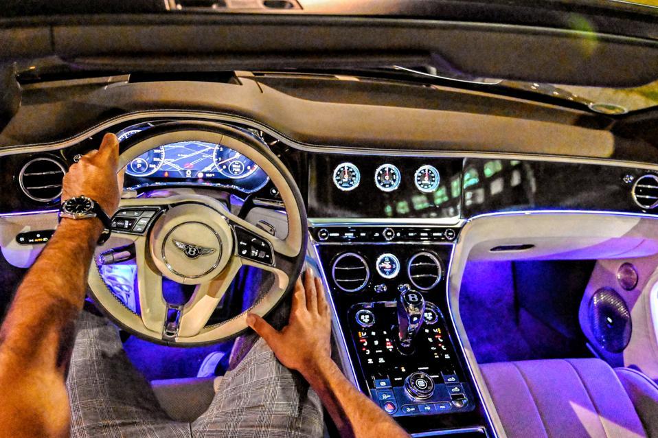 Purple lit interior lights (over 15 colour options)