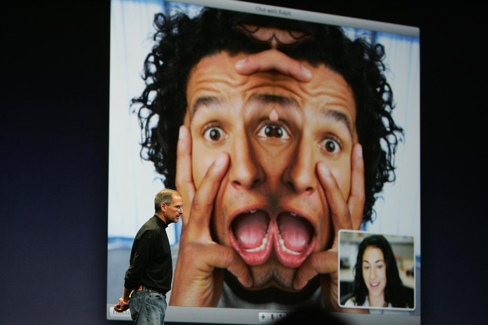 Apple Inc. CEO Steve Jobs discuss iChat...