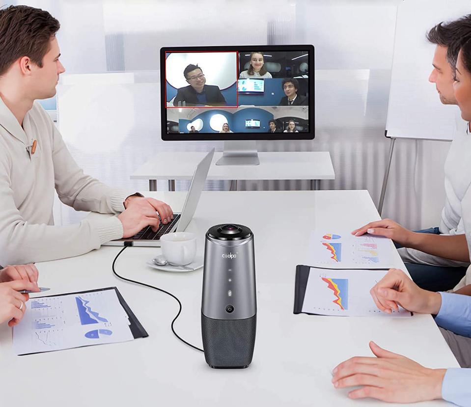 Coolpo AI Huddle Pana on a meeting table
