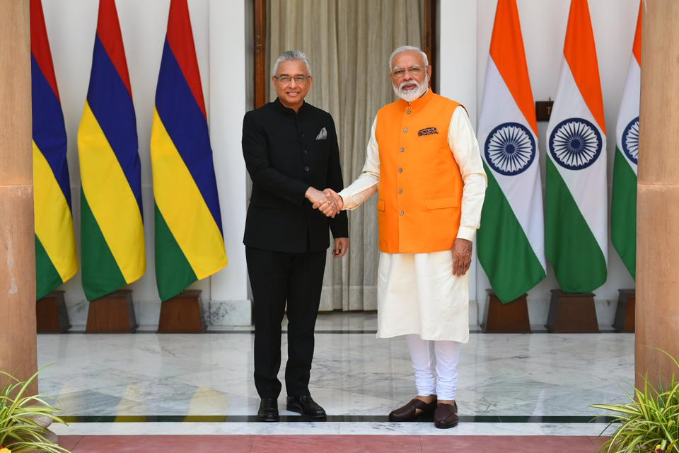27 May 2017: PM of Mauritius, Pravind Jugnauth and PM of India, Narendra Modi sign an agreement for $500m loan to Mauritius in return for India's support for Maritime Security, the infamous 'Project Trident.'