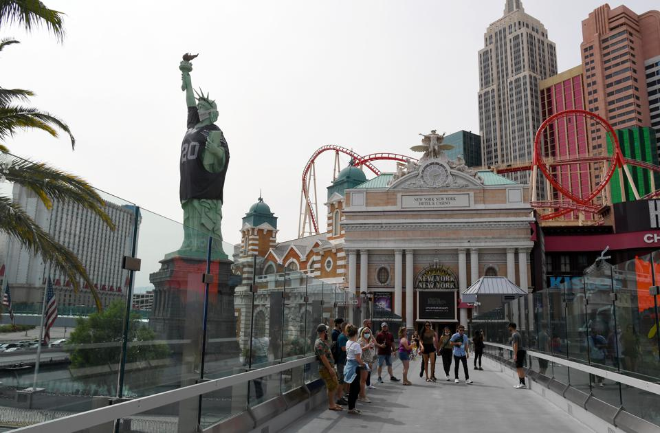 New York-New York Hotel & Casino Celebrates Inaugural Las Vegas Raiders Season With Jersey On Lady Liberty