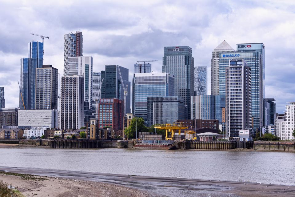 Canary Wharf business, financial and shopping district of...
