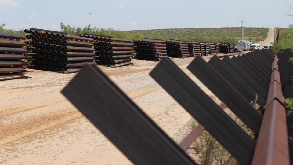 MEXICO-US-MIGRATION-BORDER-WALL