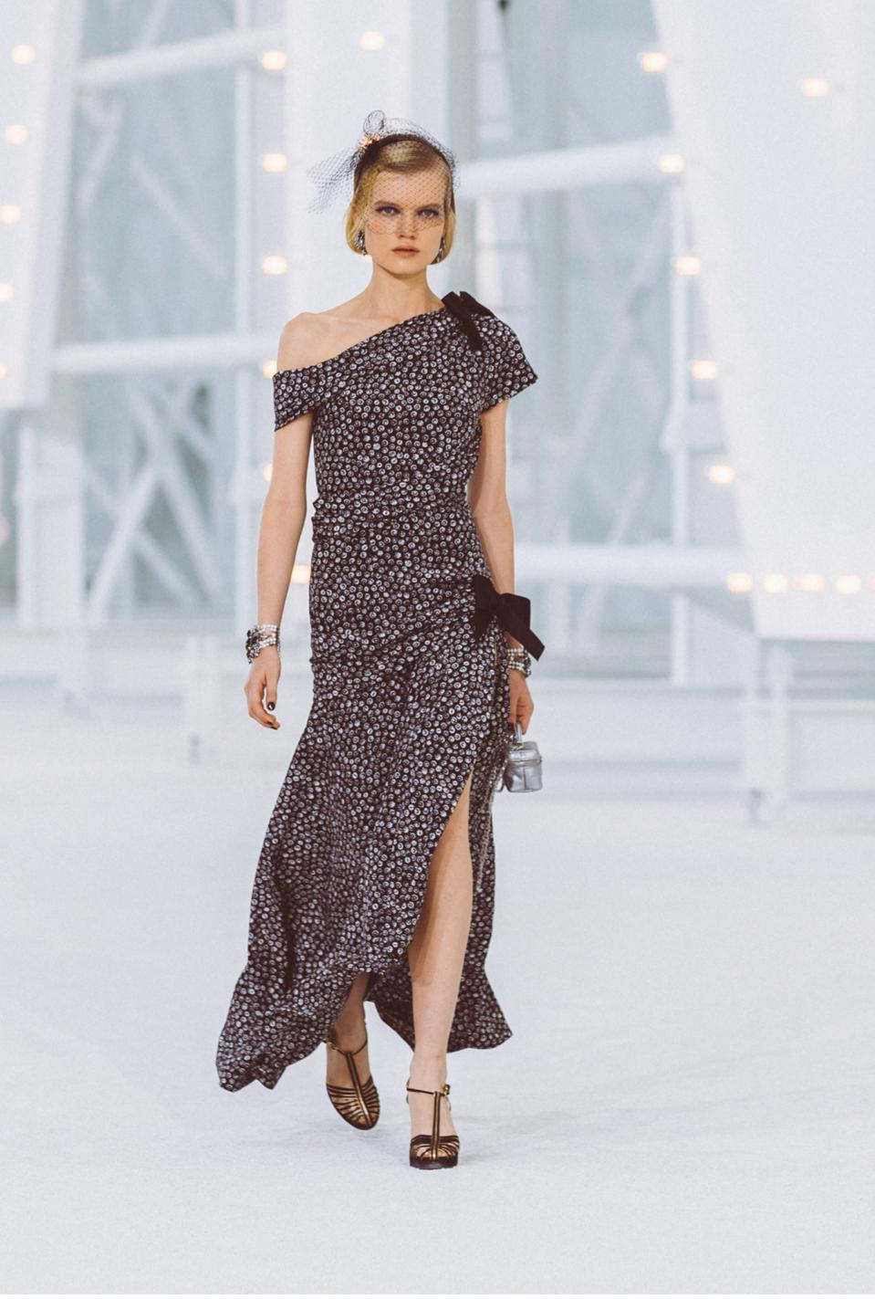 CHANEL Dress – Spring/Summer 2021, Look 6, P70590 Printed Crepe de Chine