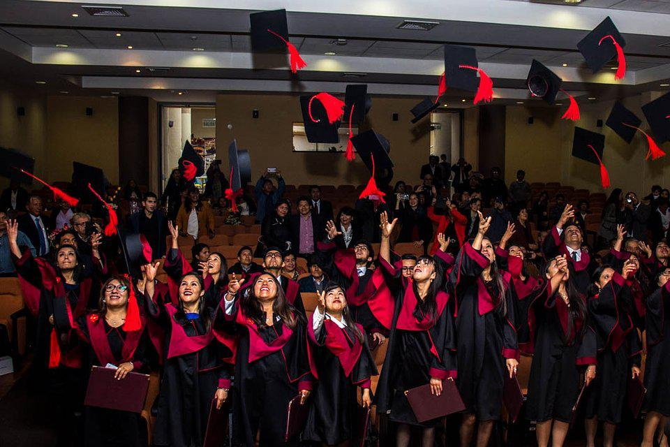 The World We Want, global photo contest: high school graduating students in Peru.