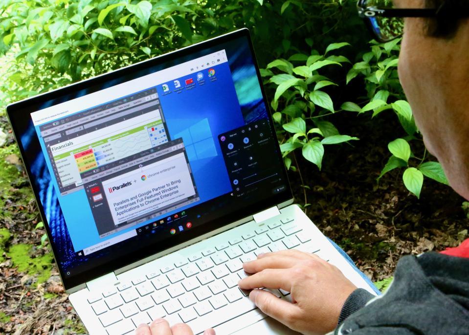 Windows 10 running on a Google Chromebook