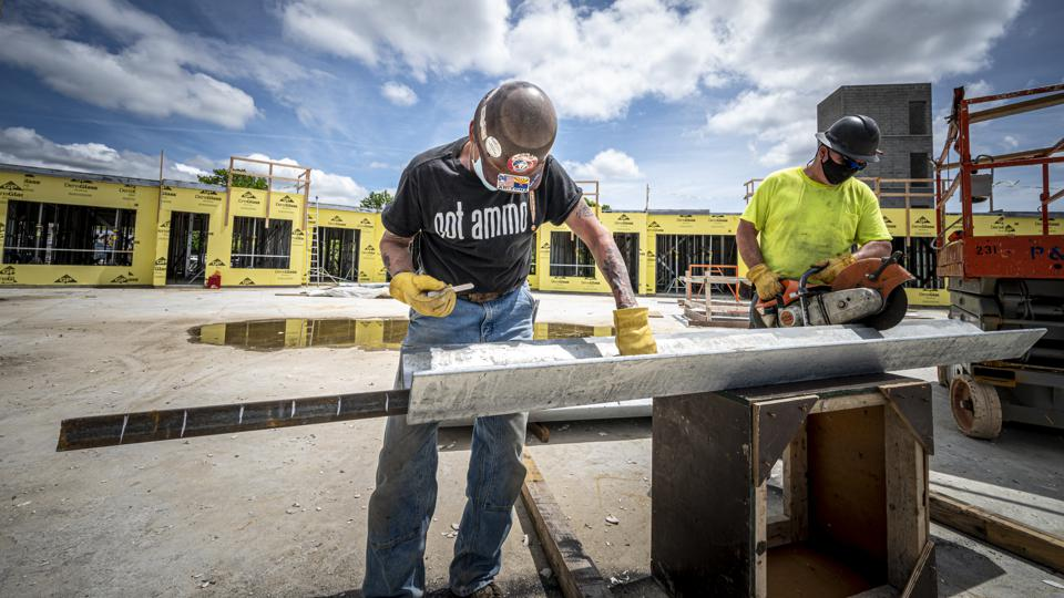 Long Island construction workers back to work during first reopening phase of pandemic