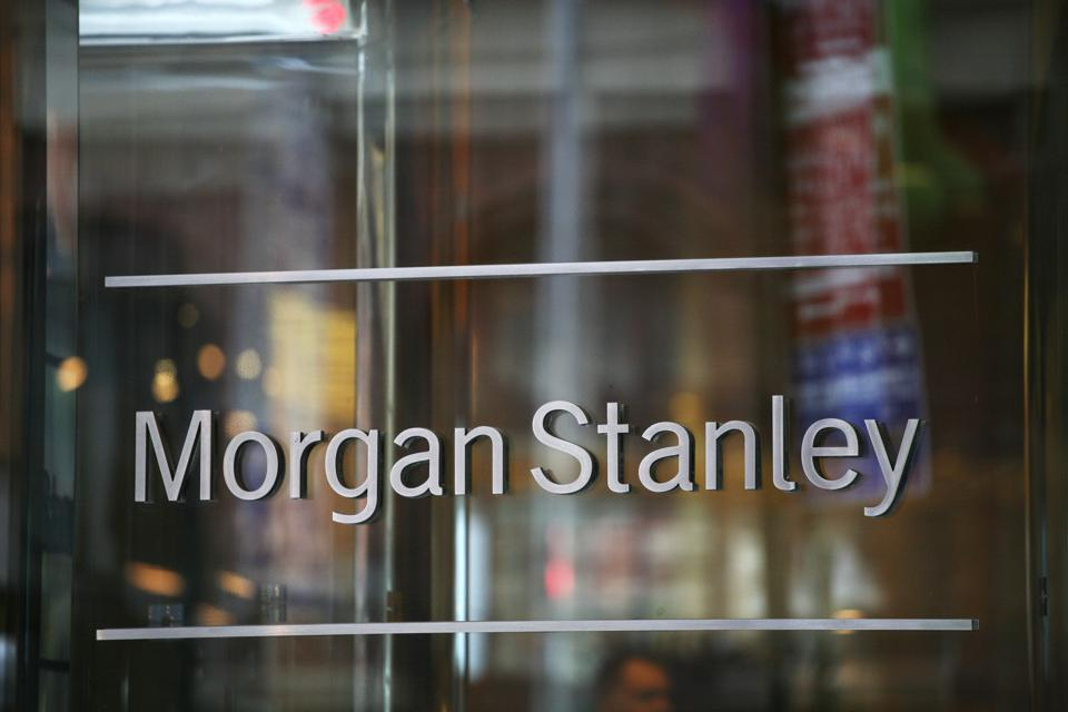 Earns Morgan Stanley
