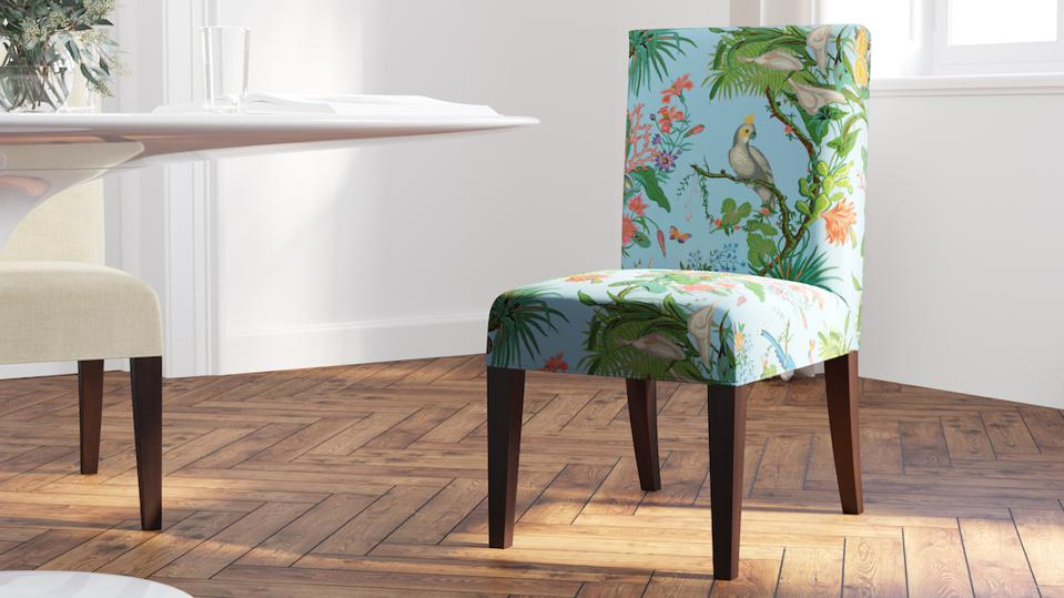 bird print dinging chair and table