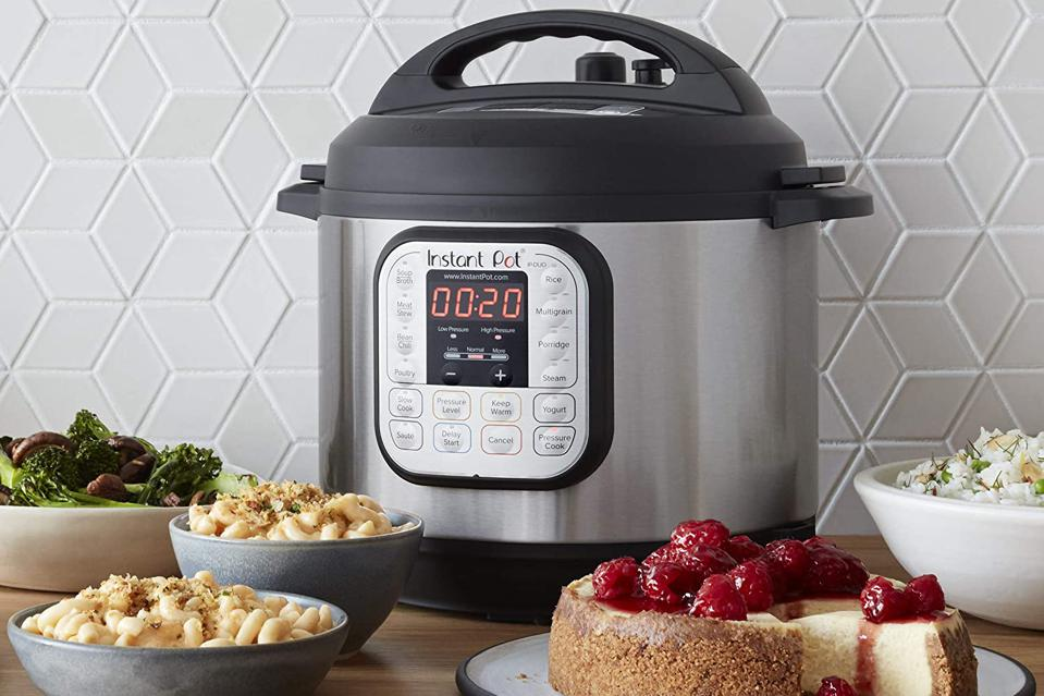 Best Slow Cookers and Pressure Cookers Instant Pot Duo 7-in-1 Electric Pressure Cooker