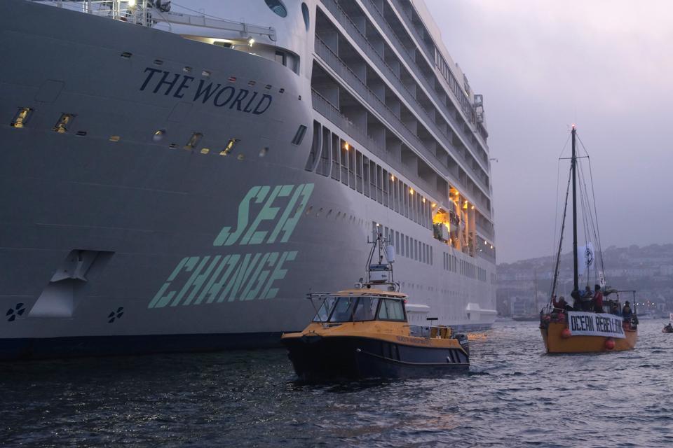 Ocean Rebellion Demonstration Against A Polluting Cruise Ship