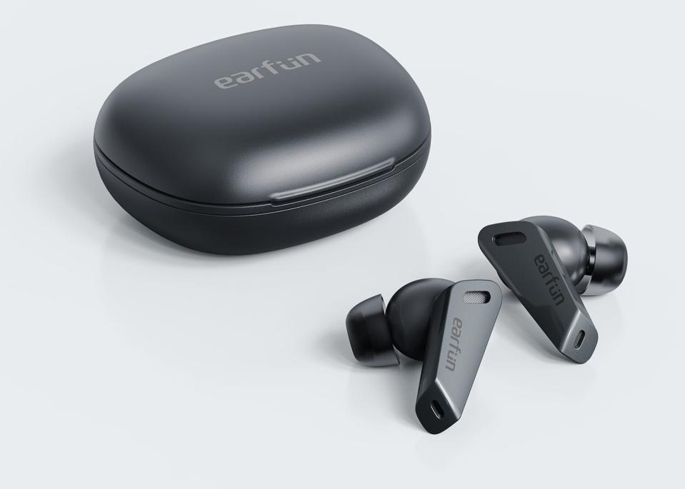 EarFun Air Pro and case